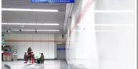 郑州地铁上线云闸机 以后乘客刷手机就能乘车 - 河南一百度
