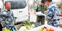 舌尖上的郑州市动物园:『大厨』们每天要喂饱3000多张嘴 - 河南一百度