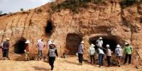 九绵高速现崖墓群 1600年前制陶业已很发达 - 河南频道新闻