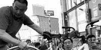 郑州副市长领头清理违停共享单车 - 河南一百度