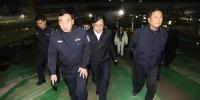 郑州市公安局长带队,昨晚108家工地被暗访,揪出这些问题 - 河南一百度
