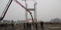 """东西段""""手已牵""""郑州农业路高架预计明年4月底全线贯通! - 河南一百度"""