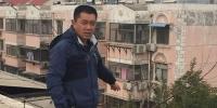 郑州女子爬上六楼顶上要自杀 这对夫妻的做法绝了! - 河南一百度
