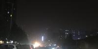 郑州有条街路灯6年不亮 居民上路得借光 - 河南一百度