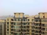 交房入住十来年 郑州一小区楼顶施工加盖? - 河南一百度
