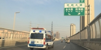 护送800克早产儿转院,郑州铁骑警10分钟狂奔14.5公里 - 河南一百度