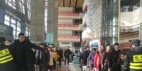 郑州汽车东站开放母婴室,小孩可睡婴儿床、玩木马…… - 河南一百度