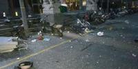 窗户、花盆、洗衣机散落一地 郑州一住户家里发生爆炸 - 河南一百度