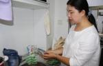 """哇!家里养蚯蚓、厨房里堆肥料……郑州一女子过上""""零废弃""""生活 - 河南一百度"""