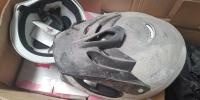 气愤!郑州市民花51万买1万多个头盔,竟是残次品! - 河南一百度